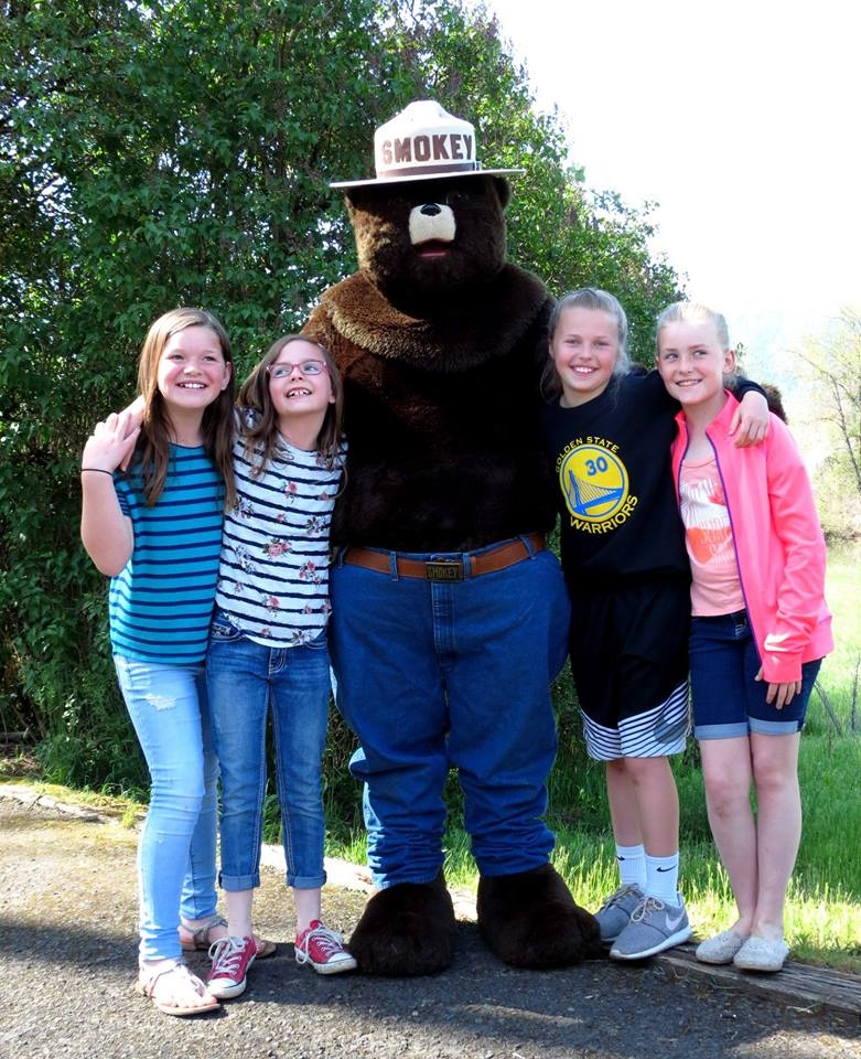 image of ksd students at heart of the monster fieldtrip